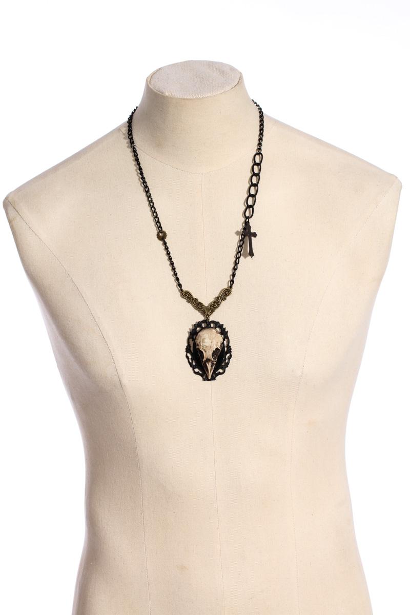 Pendant necklace faux bird skull 24012 Edmonton