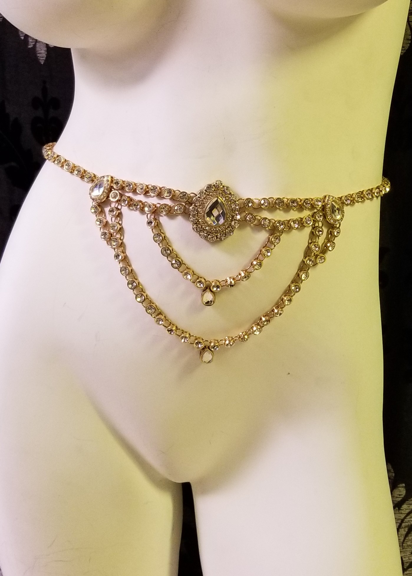 Faux crystal body chain gold 7912 Edmonton