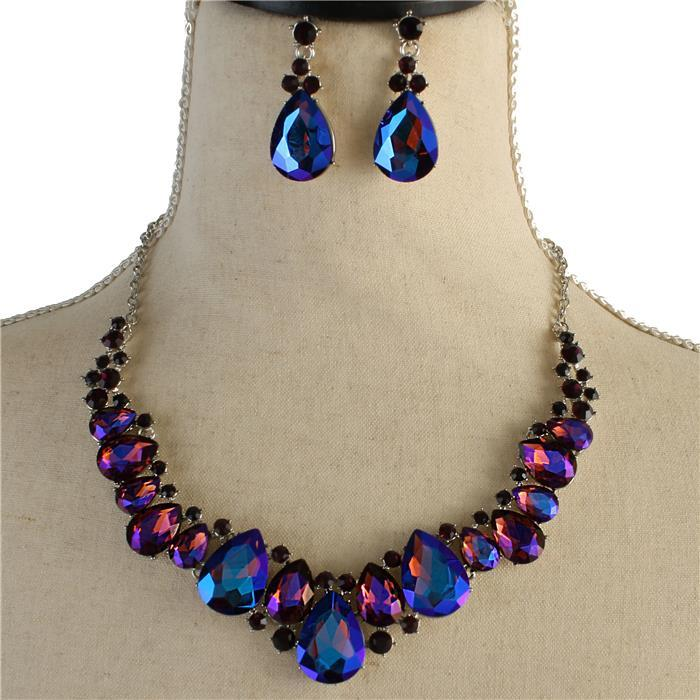 Purple sparkling rhinestone necklace matching earrings included 171553 Edmonton