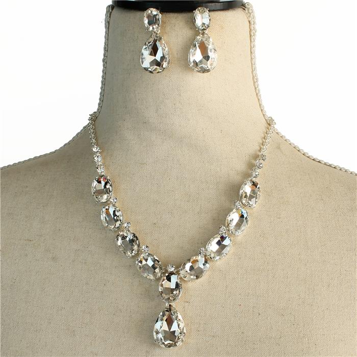 Sparkling silver rhinestone necklace matching earrings included 173470 Edmonton